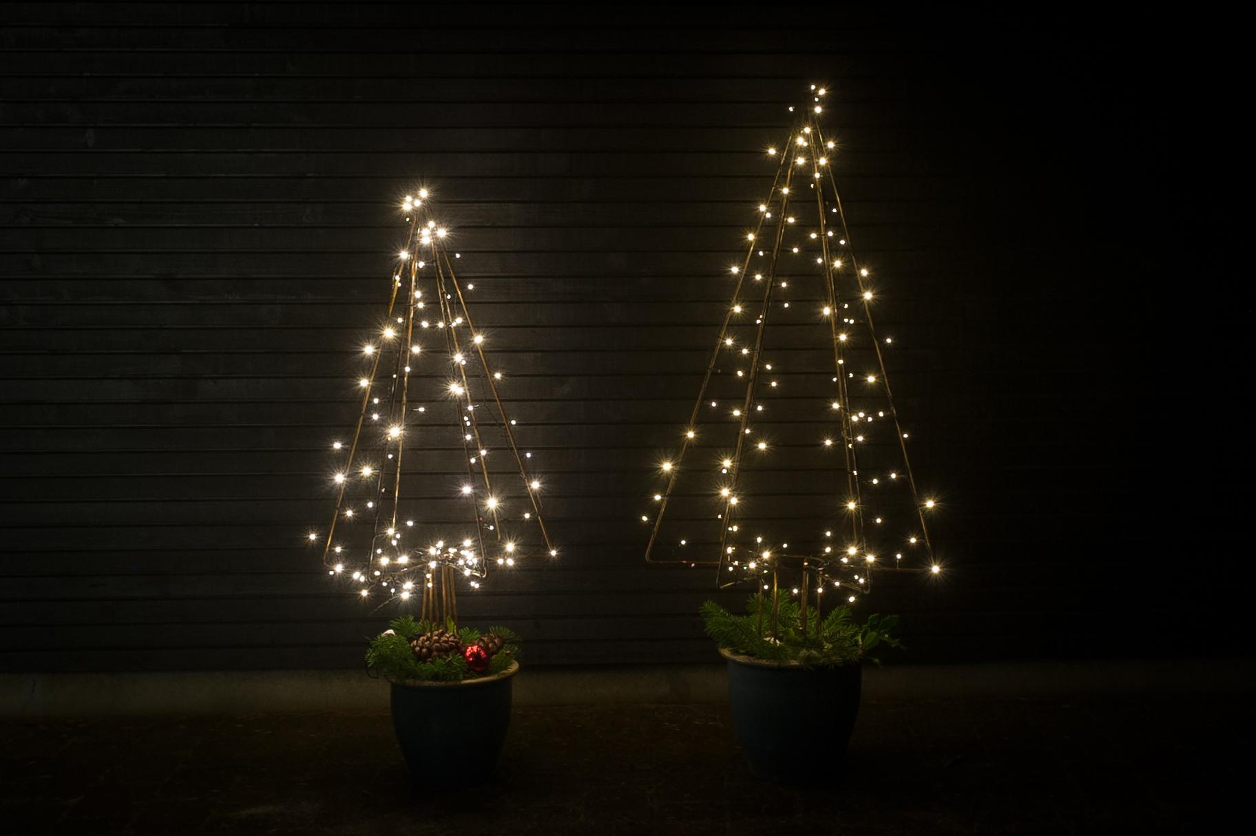 Juletræer i jern med lyskæde